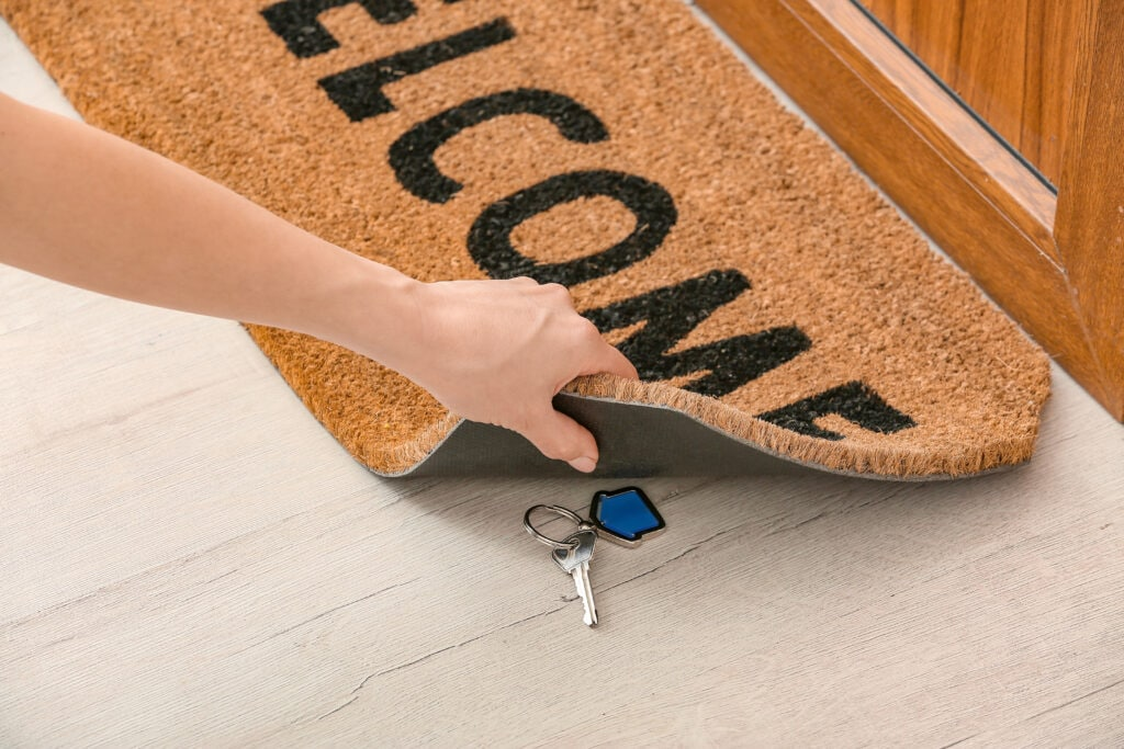 6 places you should never hide your spare house keys